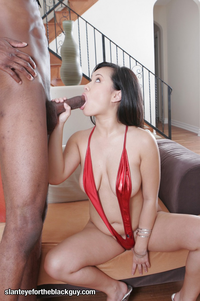 Kimmy Thai Sucking Cock